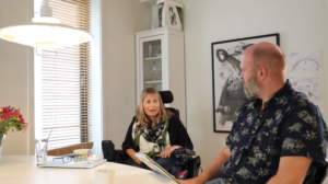 Livet i koronabobla - videoer om livet som muskelsyke under pandemien, med åpne nettdiskusjoner.